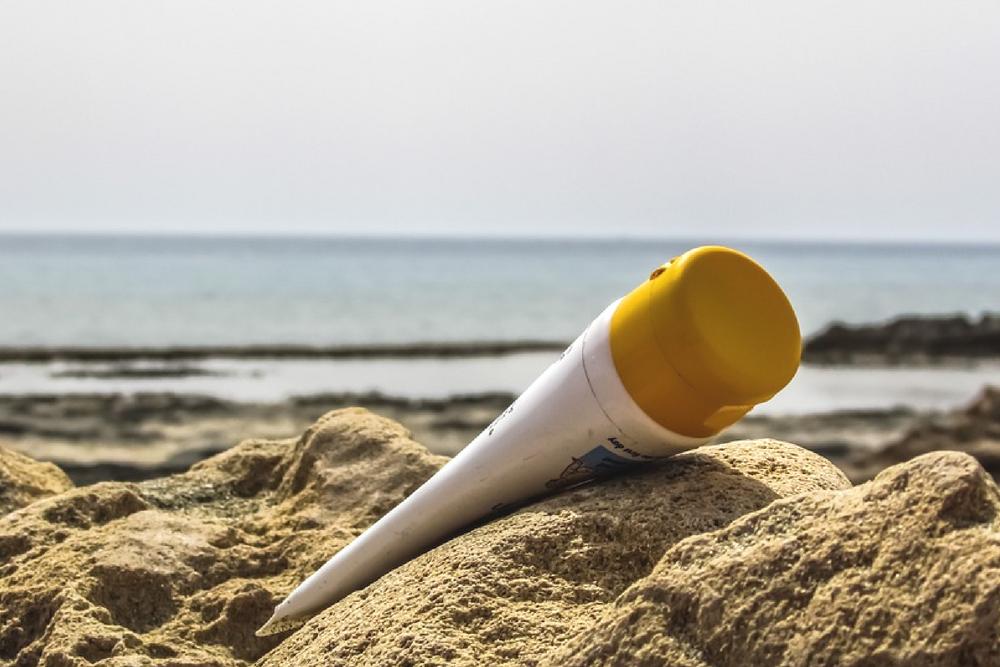Les différences entre une crème solaire minérale et chimique.