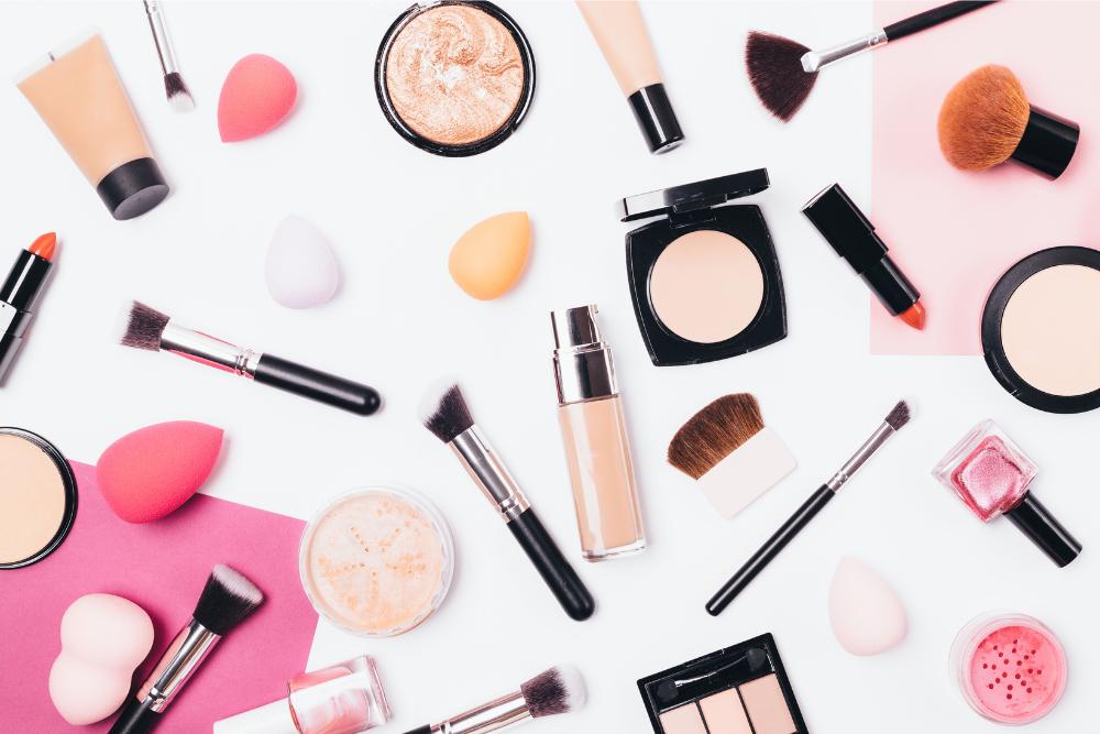Les compagnies de cosmétiques québécoises disponibles à notre pharmacie.
